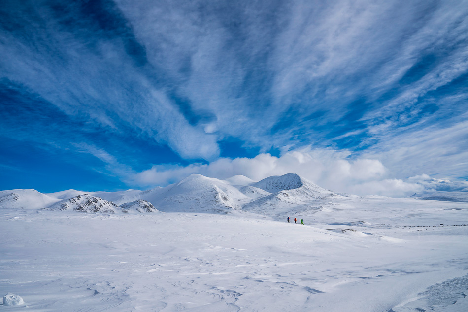 //www.bootz.be/eBusinessFiles/ImageFiles/fotos/NO4RDW/Blue skies and scenic mountains in Rondane3_export_w950.jpg