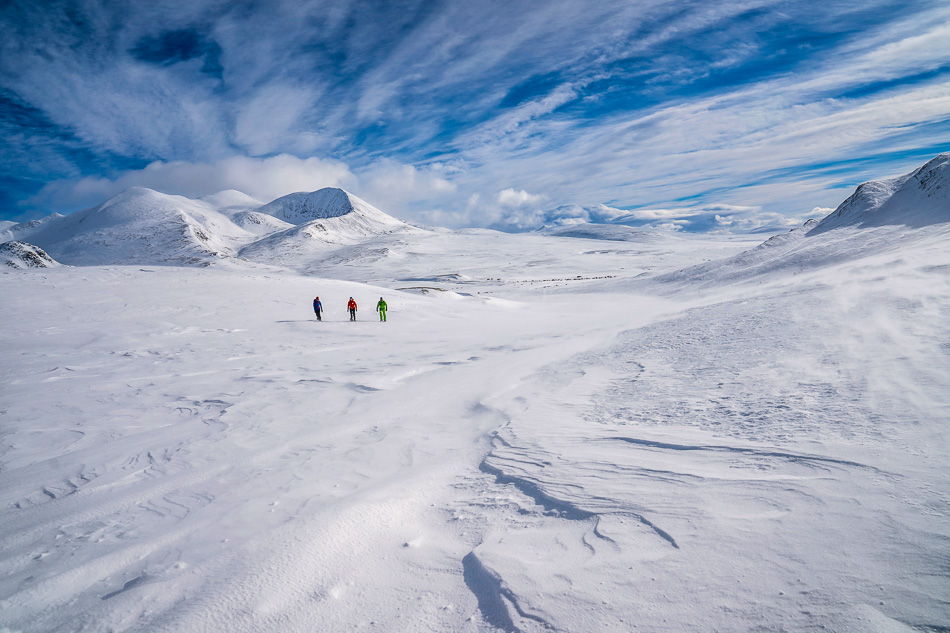 //www.bootz.be/eBusinessFiles/ImageFiles/fotos/NO4RDW/Blue skies and scenic mountains in Rondane4_export_w950.jpg